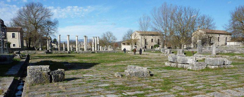 Saepinum è un'area archeologica sita a Sepino in provincia di Campobasso